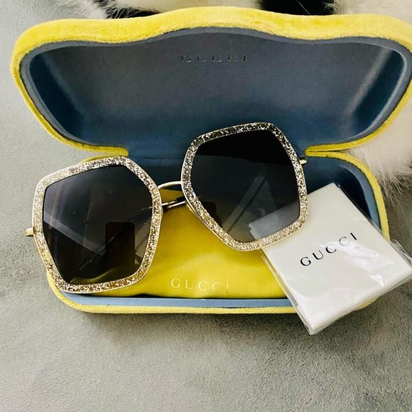 Gucci oversized sunglasses! Authentic!